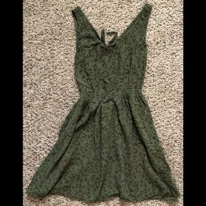 H&M Green Cut Out Back Dress 4